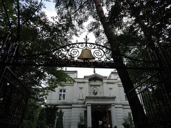教会玄関.jpg