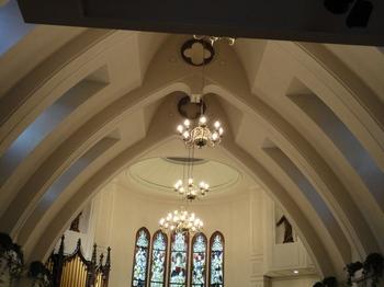 隣の教会2.jpg